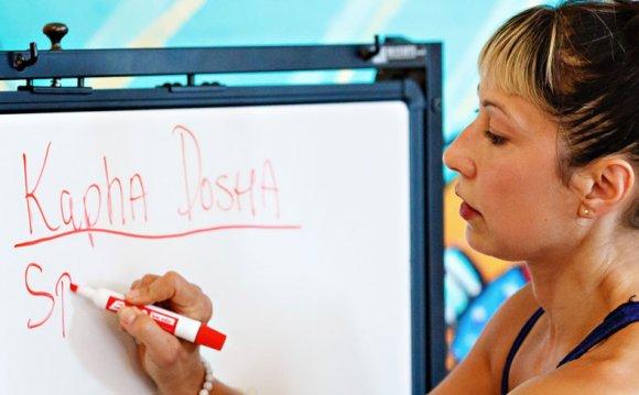 Ali Cramer Teaching a Class